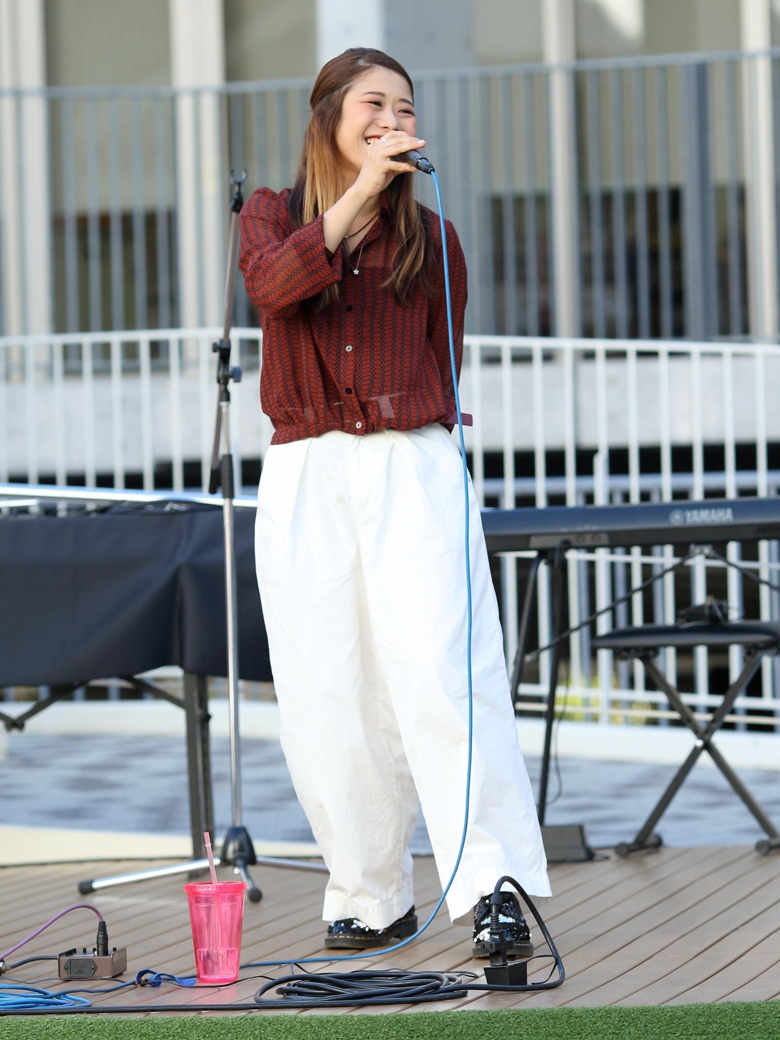 【そろそろ 秋服】シンガーソングライターうたうゆきこのLive photo【ファッション】_1