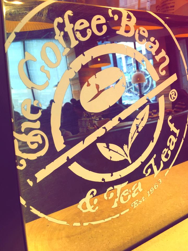 話題の映画「ラ・ラ・ランド」のコラボドリンクも発売中!コーヒービーンでメキシカンチョコレートアイスブレンディッド飲みました♡_1