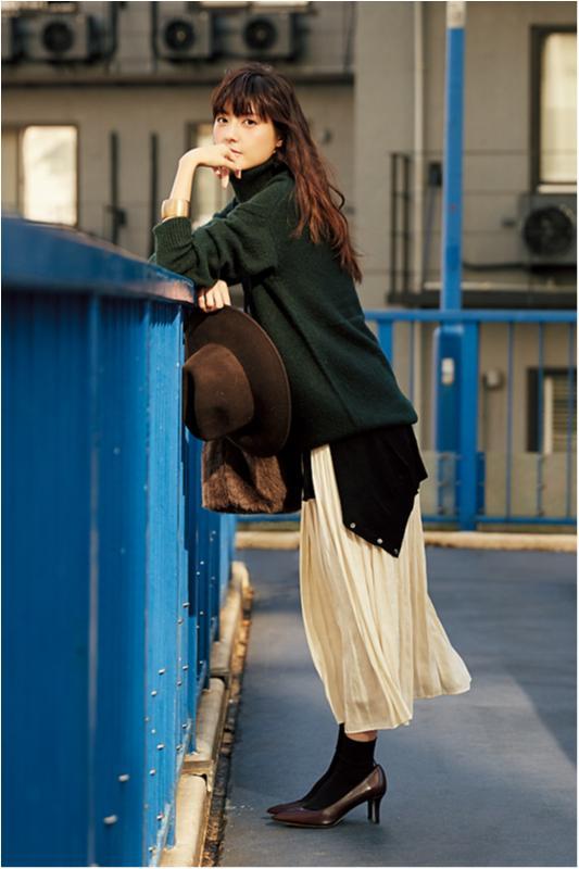 【今日のコーデ/佐藤ありさ】のんびりモードの月曜祝日はプリーツスカートでリラックス♪_1