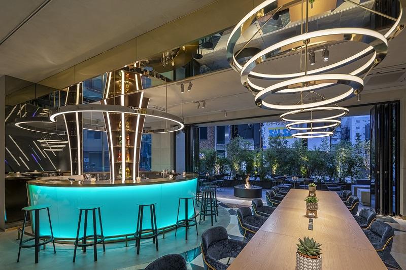 【川崎のおしゃれなホテル】『slash 川崎』併設カフェ『slash cafe&bar』内観