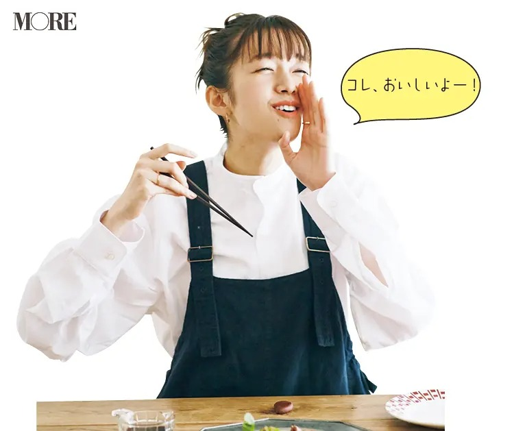 奈良県からお取り寄せした百々福焼を食べる佐藤栞里