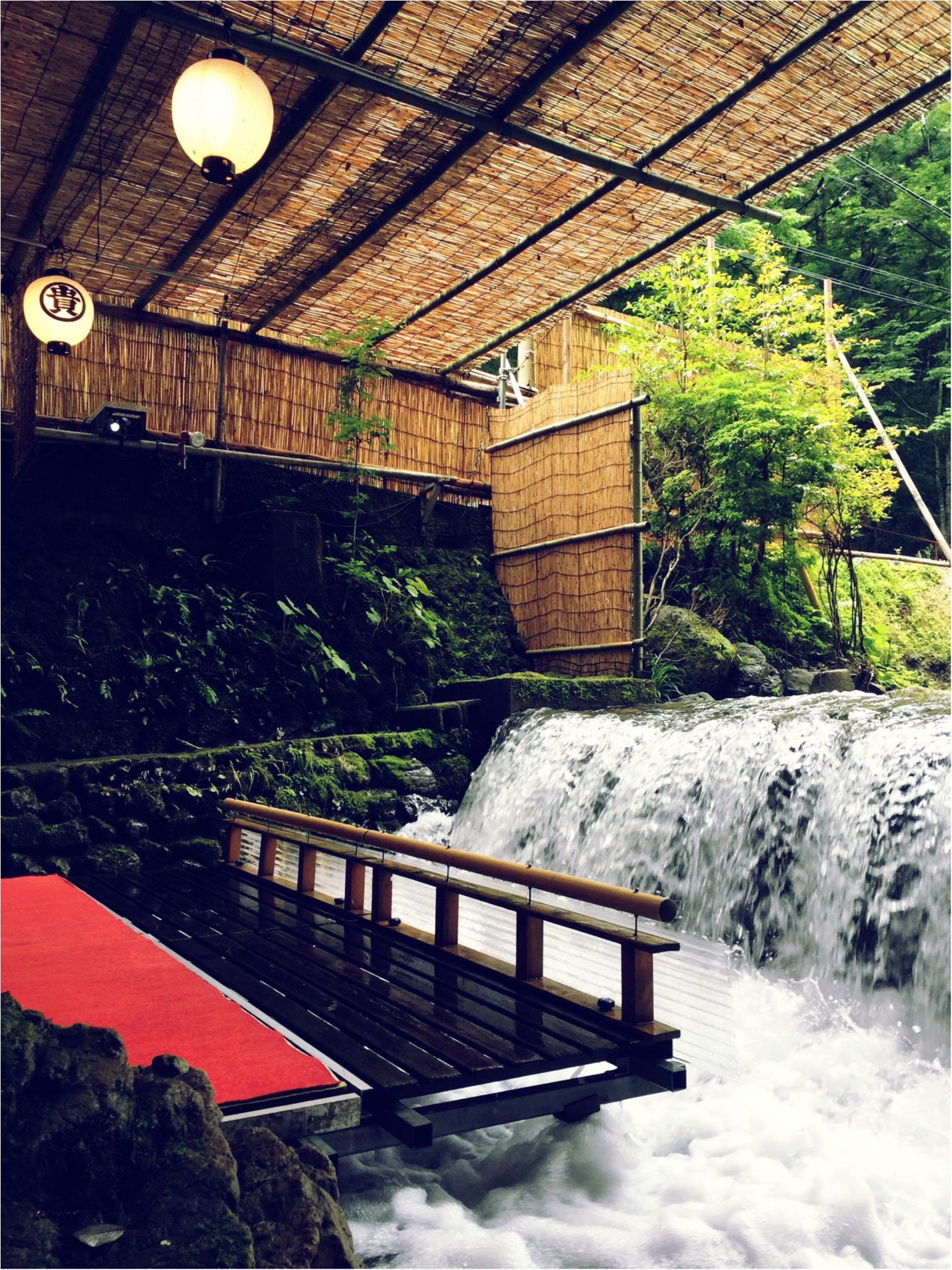 京都・貴船の滝つぼ……ではなく川床でお食事♪_1