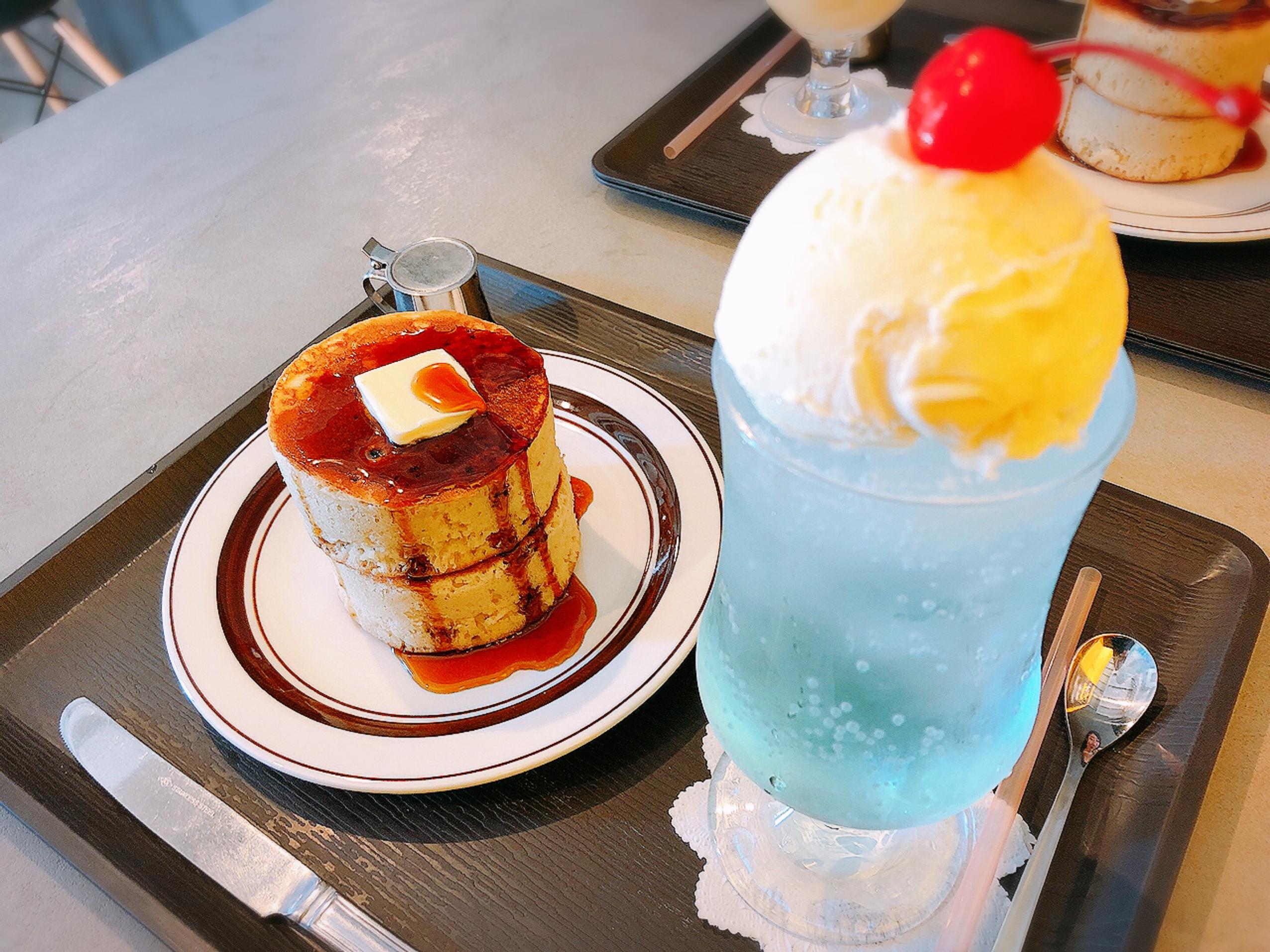【#静岡】空色クリームソーダとふかふか3Dホットケーキ♡純喫茶風のモダンなカフェ《8COFFEE》_8