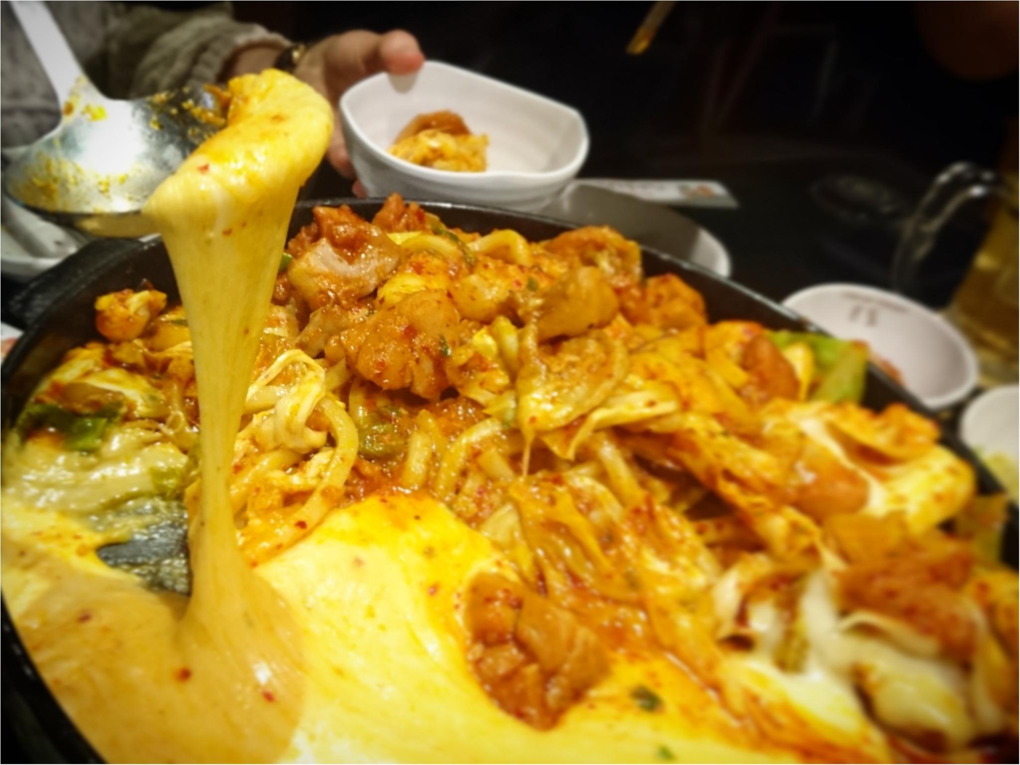 【 グルメ 】SNS 映え抜群 ★ とろ~っとろっのチーズが魅力 ! 話題沸騰中の『チーズタッカルビ』を食べに行こう ♪_1