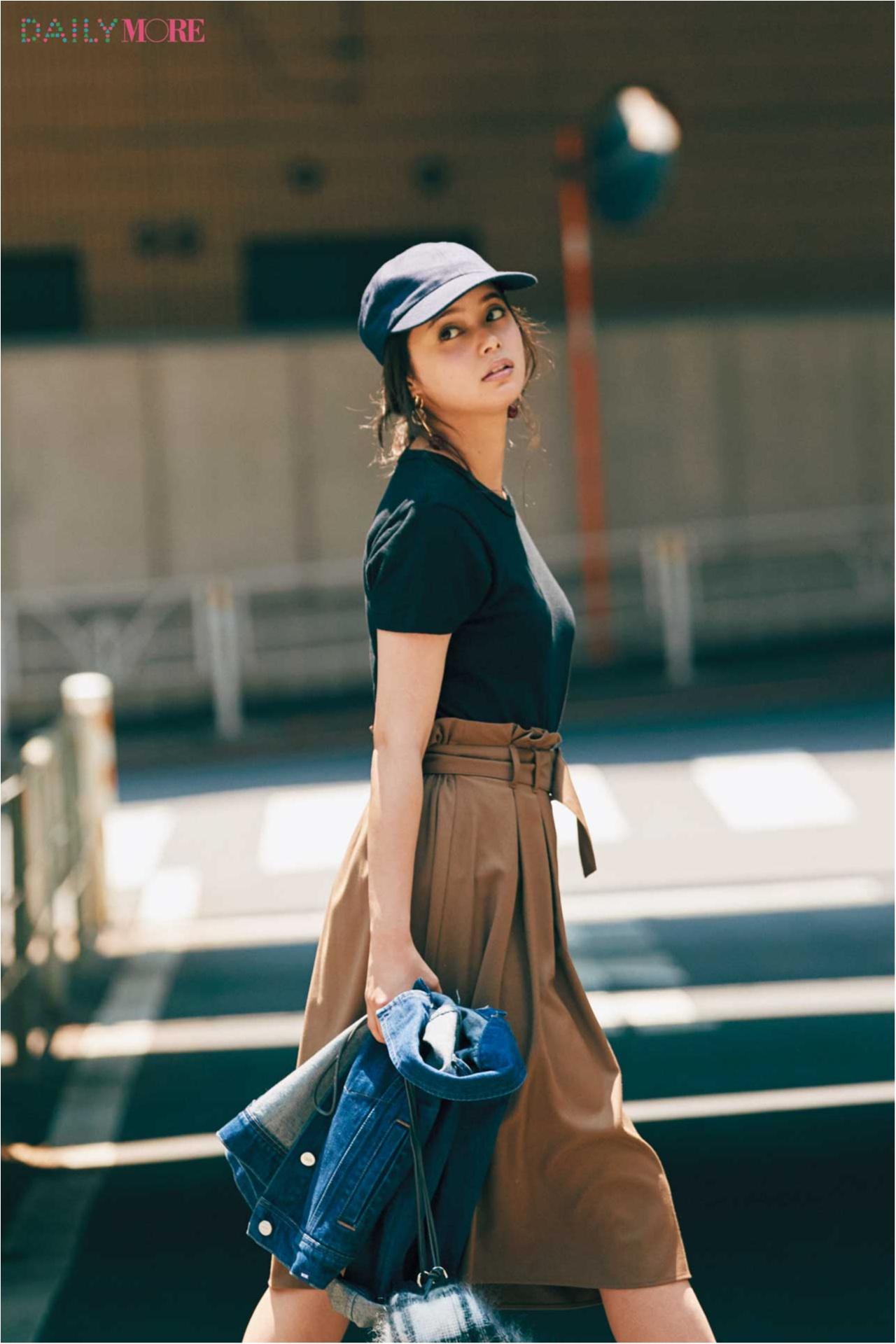 新たなヒット伝説が始まる。『GU』のスカート、めっちゃ細く見える説!_1_2