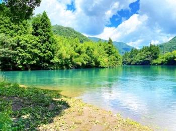 【夏色!四万ブルー】大自然に囲まれた湖でリフレッシュ