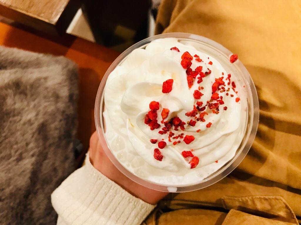 【スタバ新作】ホリデーシーズン到来★とにかく可愛い《メリーストロベリー ケーキ》で一足早くクリスマス気分♡_4