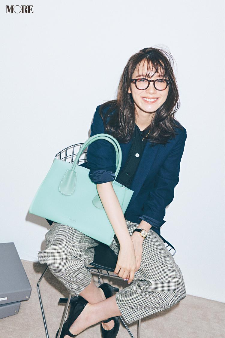 【今日のコーデ】<飯豊まりえ>王道トラッドコーデの鮮度を上げるライムグリーンのバッグを相棒に☆_1