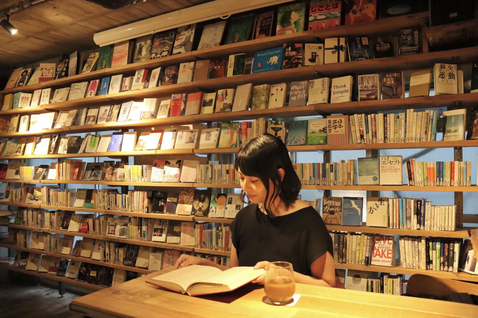 【飲食OK、おしゃべりOK、夜も開館】渋谷の穴場図書室_1