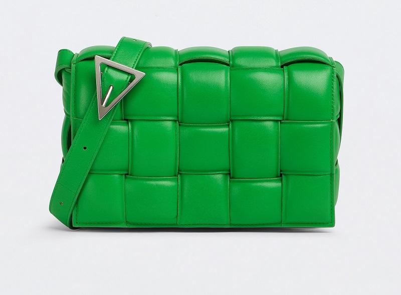 ボッテガヴェネタの人気バッグ、新色グリーン