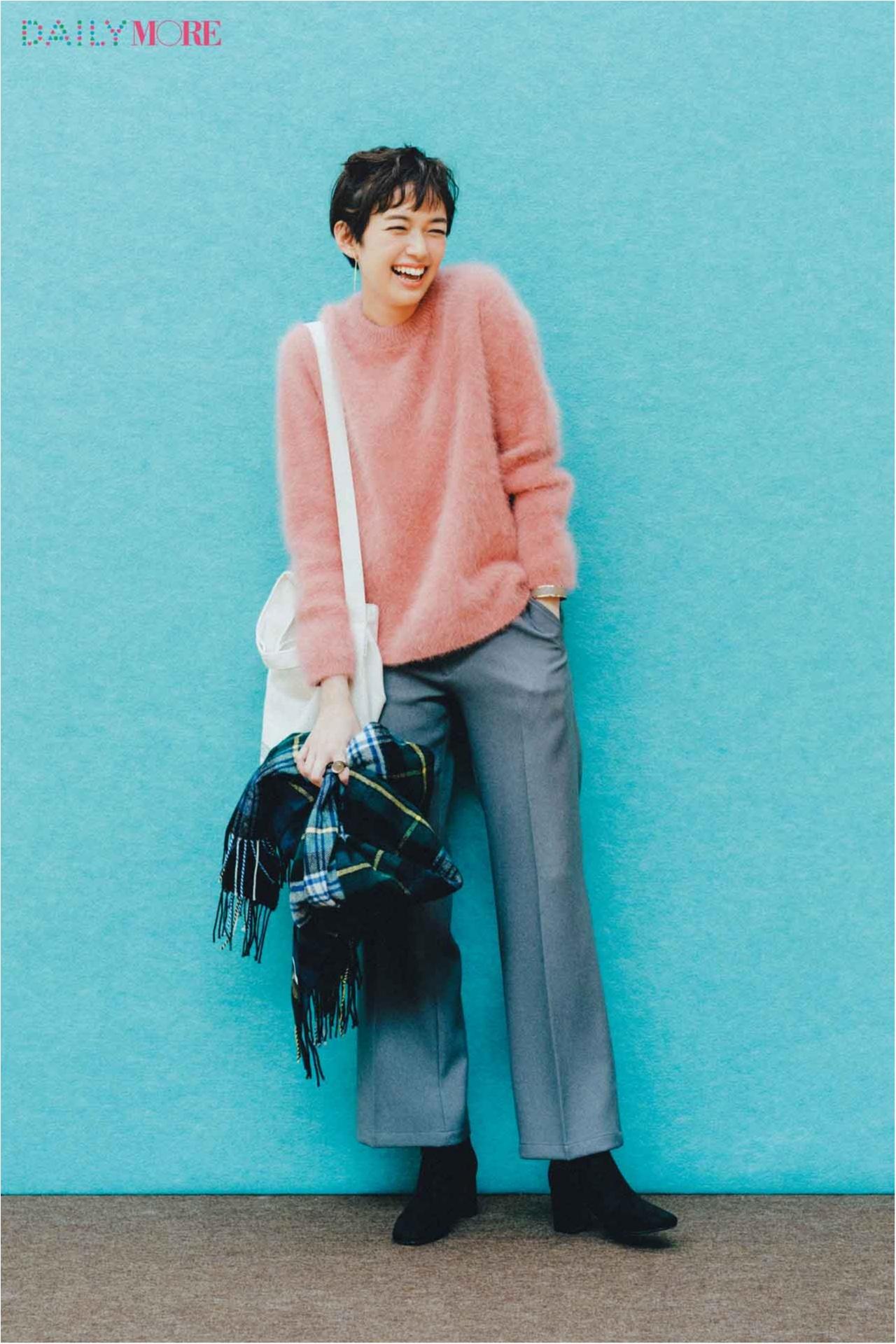 【今日のコーデ/佐藤栞里】着るだけで可愛いピンクのモヘアニットで、普段着を最高に愛らしく♡_1
