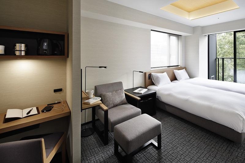 【名古屋のおしゃれホテル】『ランプライトブックスホテル名古屋』、「モデレートツイン」の内装
