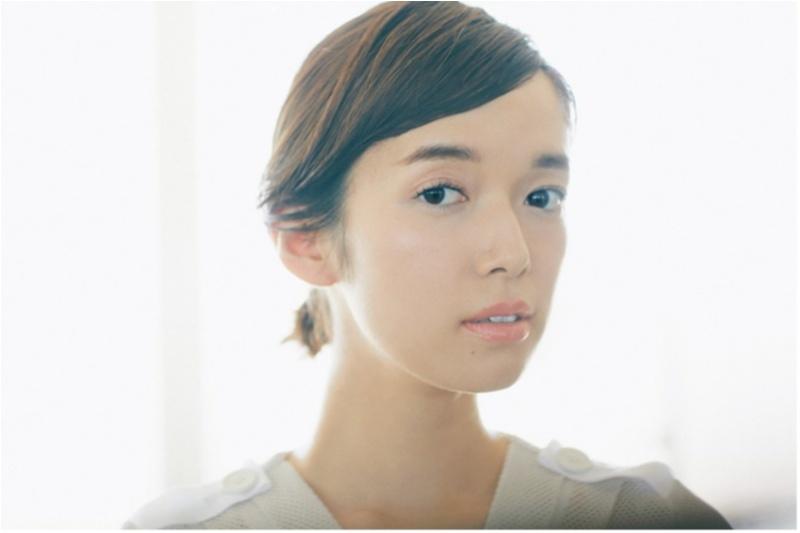 """佐藤栞里の """"こなれひとつ結び"""" で女っぽヘアアレンジ3選 記事Photo Gallery_1_5"""