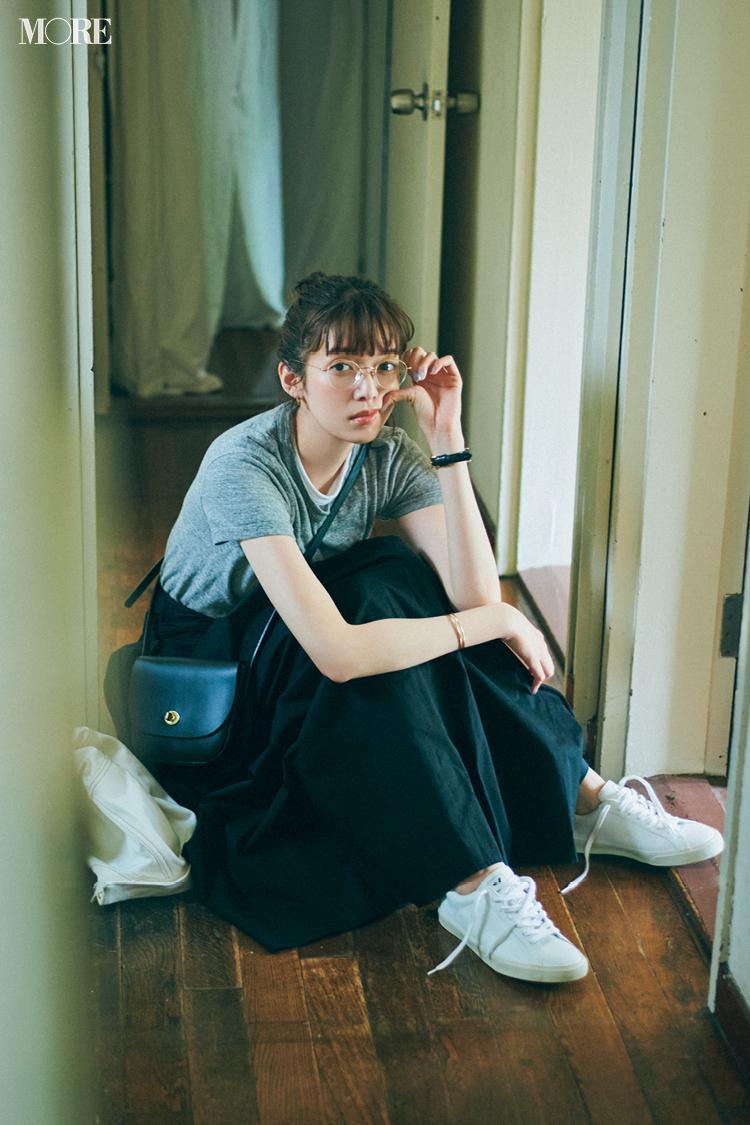 【今日のコーデ】Tシャツコーデに白スニーカーを合わせた佐藤栞里