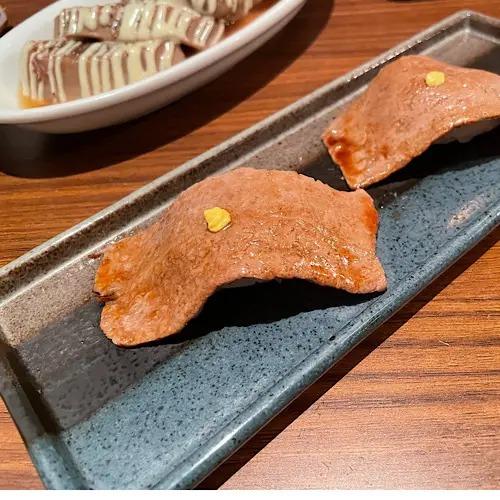 『うしごろバンビーナ』の赤身肉の握り
