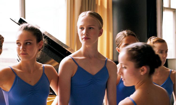 映画『ワイルドライフ』は、映像の美しさと脚本のセンスのよさが光る秀作。『ルビー・スパークス』、『サマーフィーリング』、『Girl/ガール』も!【オススメ☆CINEMA】_5