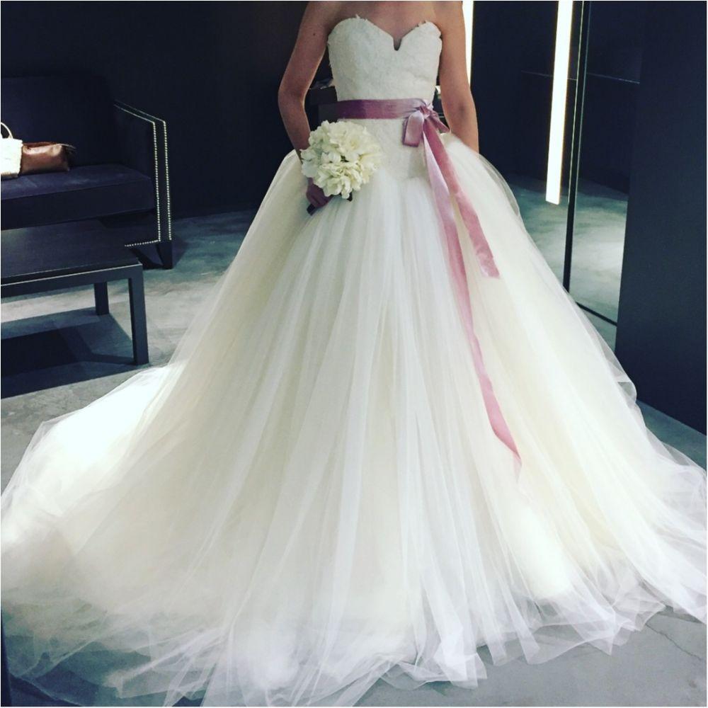 卒花さんに聞く【ドレス特集】-  結婚式・二次会におすすめ! プレ花嫁さんに人気のおしゃれなウェディングドレスは?_18