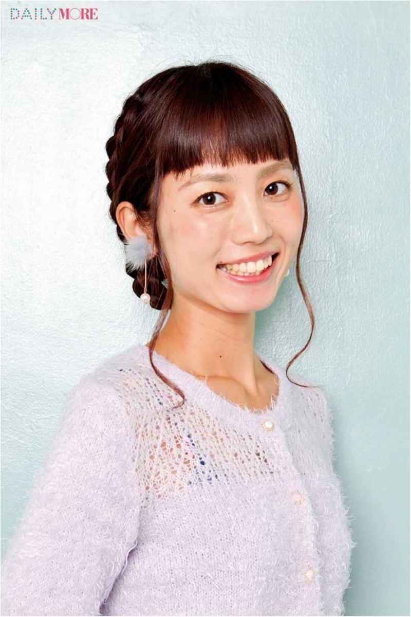 三つ編み&シニヨン&くるりんぱを応用してかわいく! 「デートの時のヘアアレンジ」教えます♡ _1