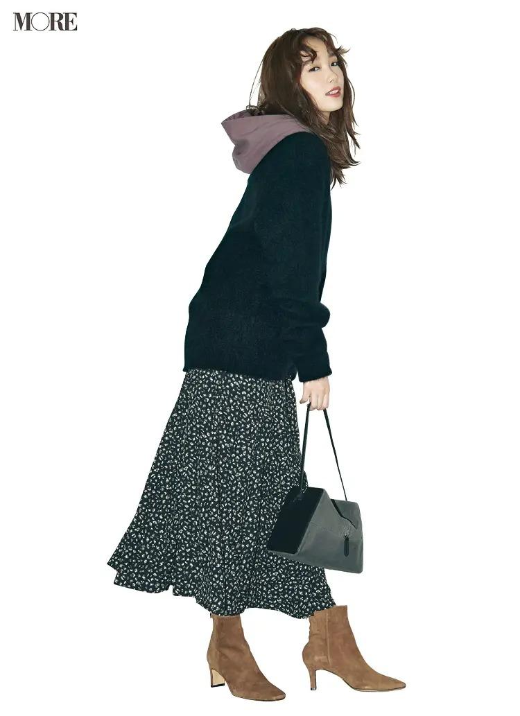 【秋冬カーディガンコーデ】フーディ+カーディガン+花柄スカート