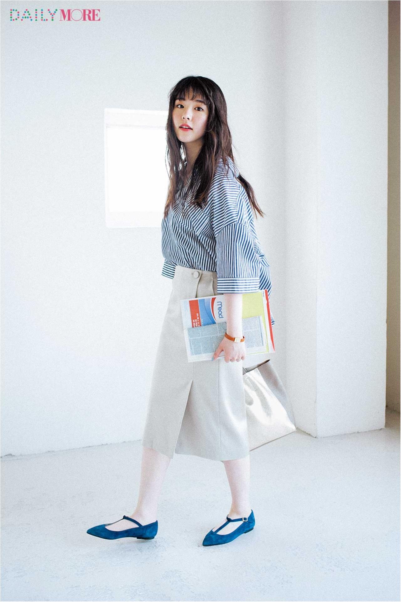 【今日のコーデ/唐田えりか】仕事を頑張る金曜日はストライプシャツ×ラップスカートできりっと涼しげ。_1