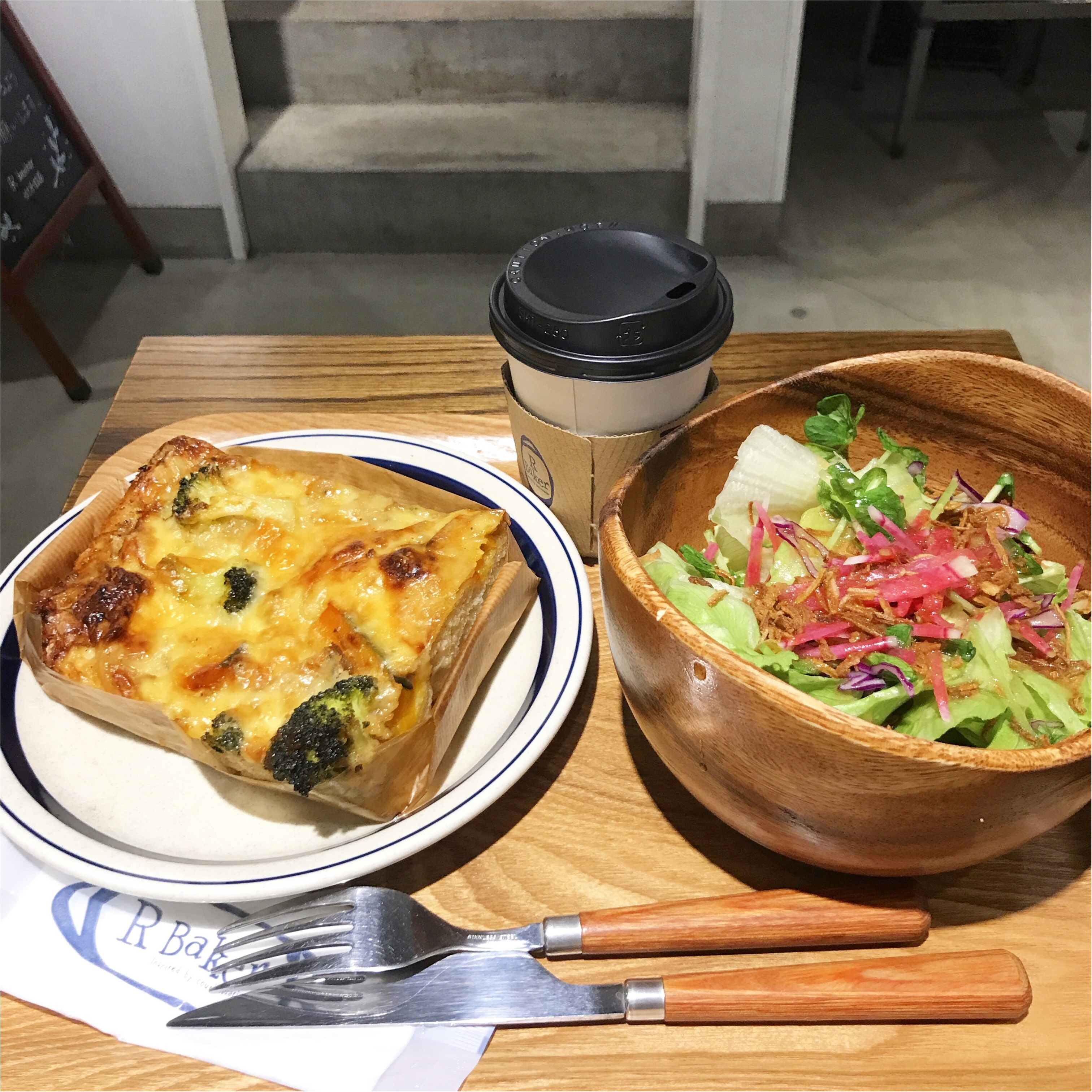 TSUTAYAが運営するカフェ【R Baker(アールベイカー)】でパンランチ♡_4