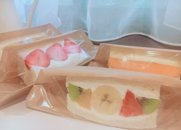 【おこもり飯】《フツウニフルウツ》のフルーツサンドをおうちで♡デリバリーをお願いしてみた!_10