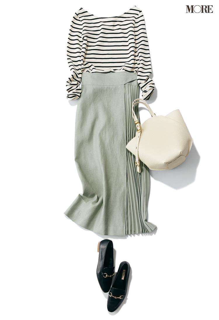 ボーダートップス×グリーンのスカートのコーデ