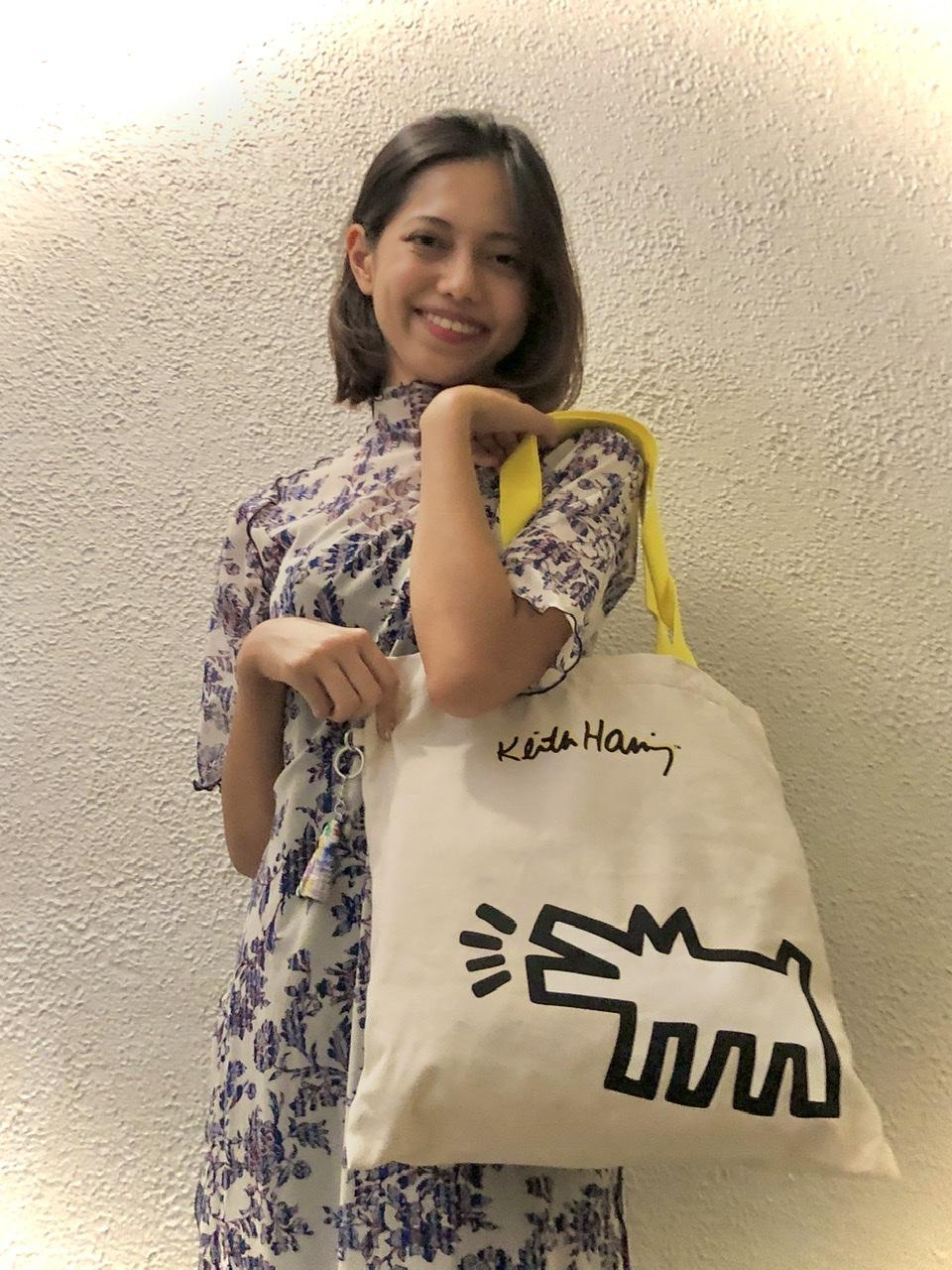 【キプリング】カフェでのリモートワークの必需品!なんでもすっぽり入って持ちやすいバッグって?♡_1