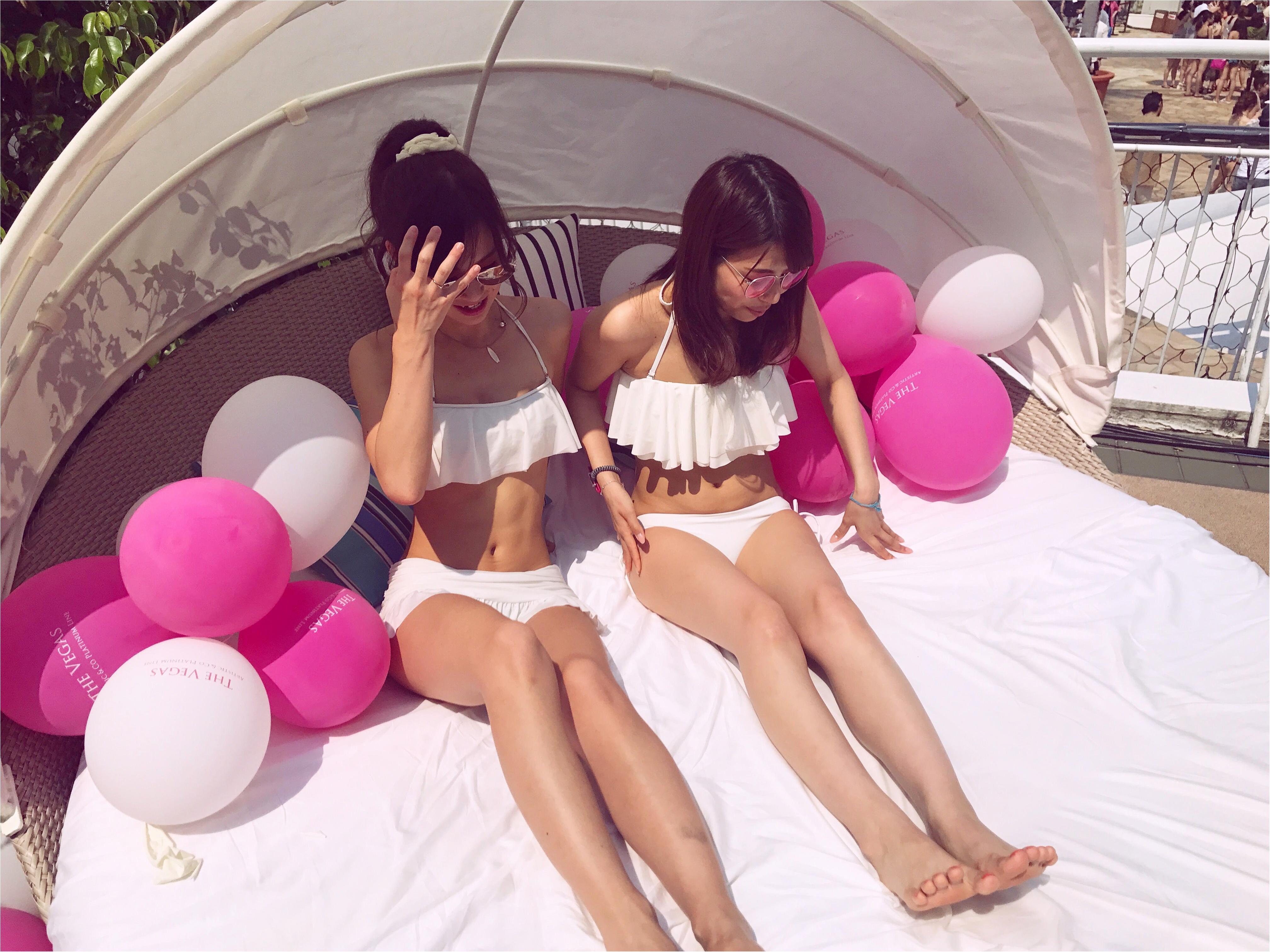 【♥♥♥】合わせるだけでジェニックに♡プールも海も、#twins 双子コーデが写真映え♡_1