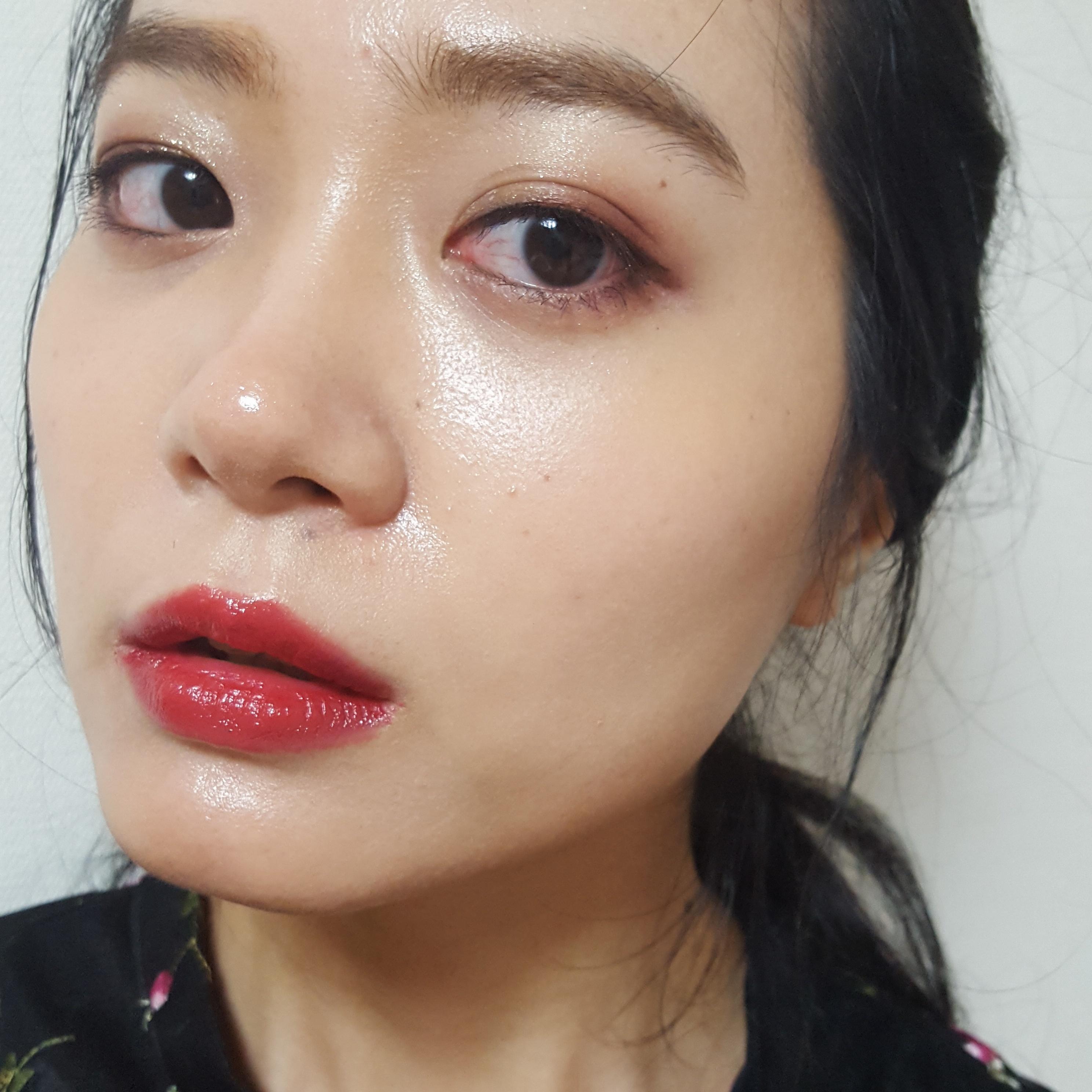 プチプラコスメで冬の女子会メイク♡ 今っぽい「赤」が主役!_1