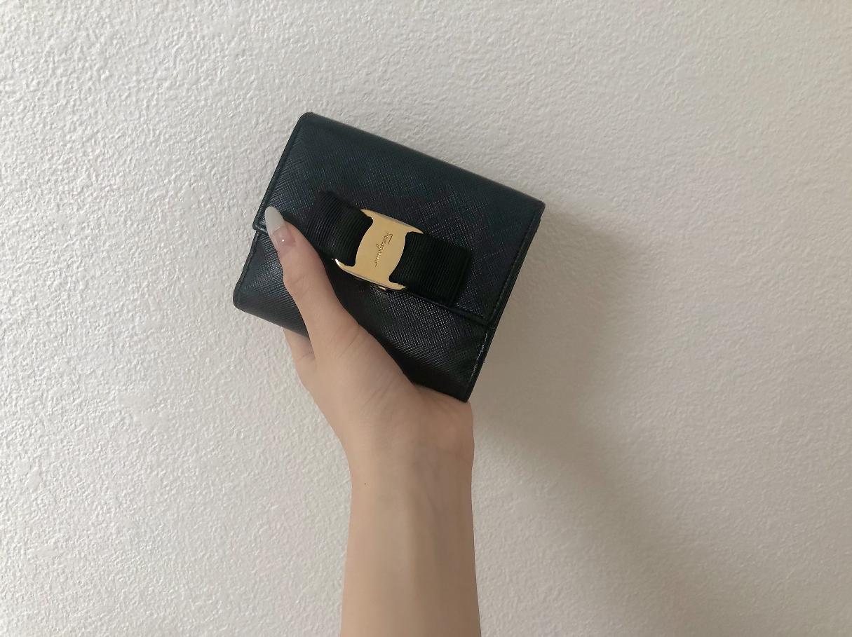 【20代女子の愛用財布】メインとサブと。(FENDI × Salvatore Ferragamo)_3