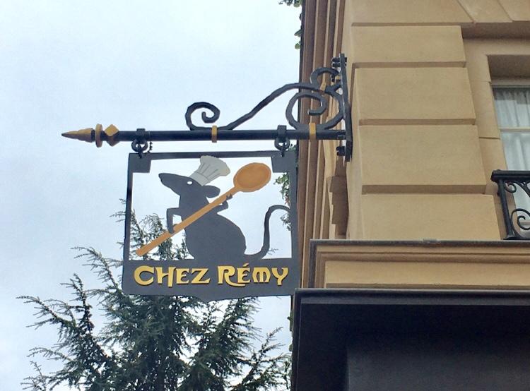【パリディズニー】《レミーの美味しいレストラン》に潜入!パリの街並みを再現したエリアで優雅なランチを♪_8