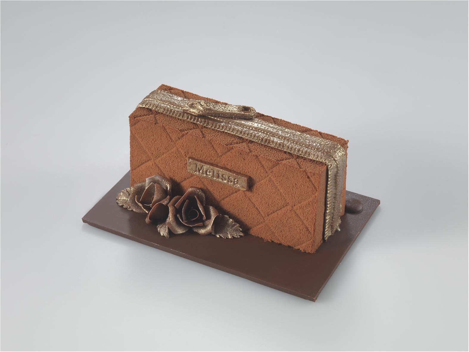 【クリスマスケーキを予約しなきゃ!②】彼におねだりしたいのは、とびきりおいしいバッグ!?_2