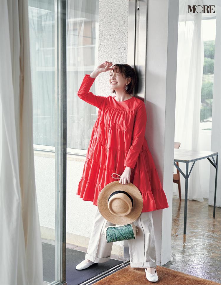 チュニック感覚で着られる短い赤いティアードワンピース