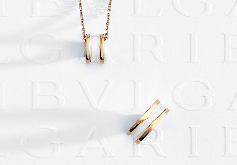 ホワイトデーギフトに、『ブルガリ』の白アイテム。ネックレスとリング