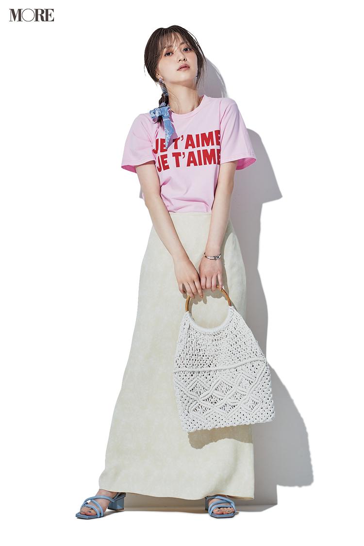 【今日のコーデ】ピンクのロゴTにセミフレアスカートを合わせた逢沢りな