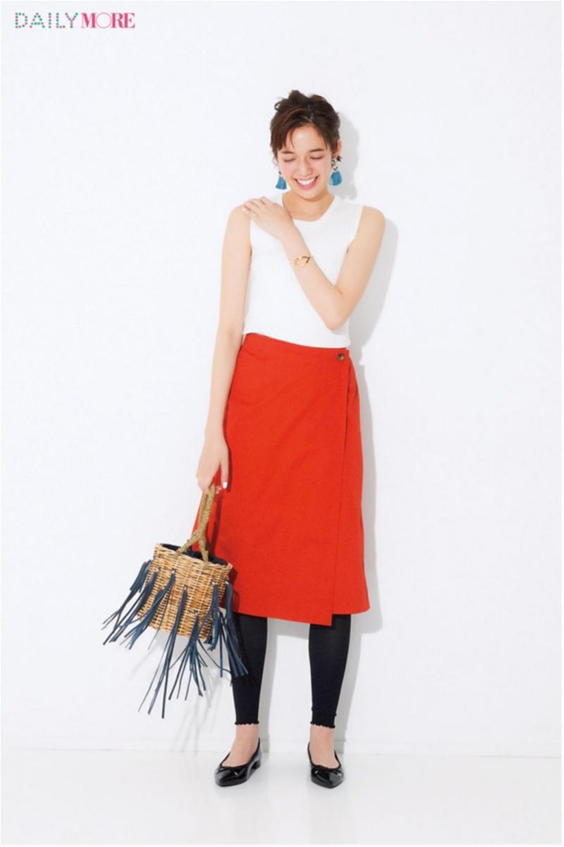 【2018年夏のおすすめ『ユニクロ』コーデ5】 鮮やかなスカートのスタイルアップ見えコーデ