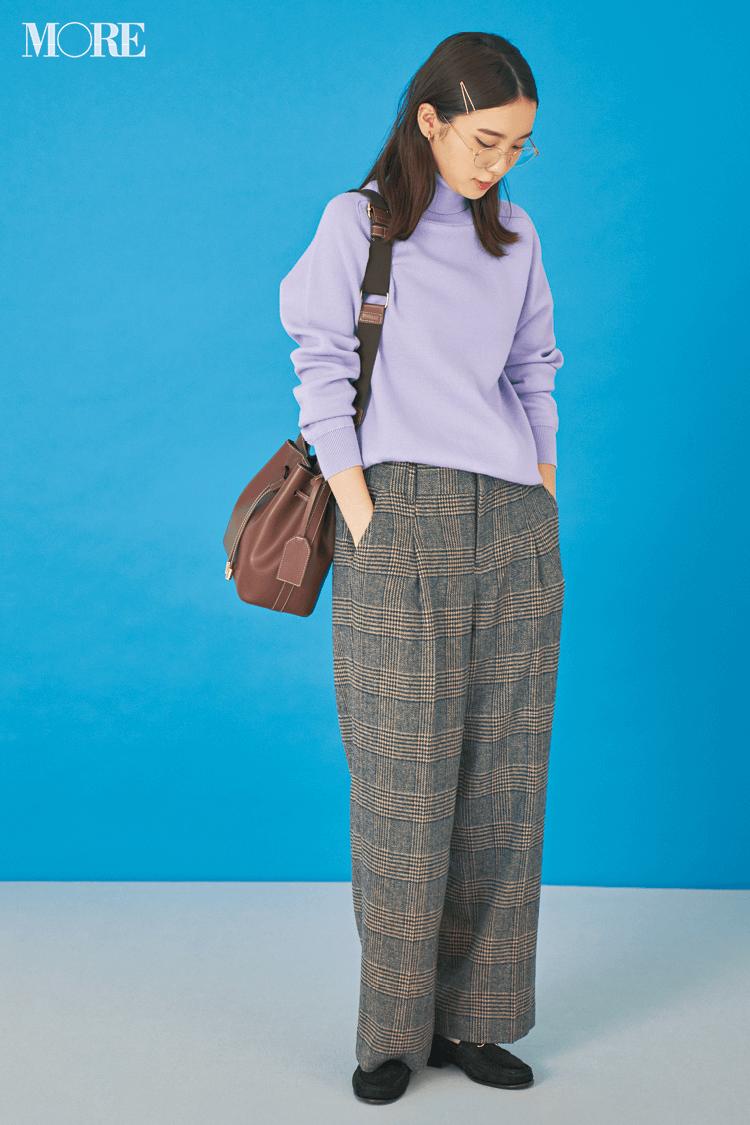 飯豊まりえのチェック柄パンツはラベンダー色のきれい色ニットと合わせて魅せる