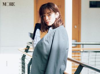 【今日のコーデ】<佐藤栞里>ジャケットはかたく着ない。+白レザースニーカーがルール