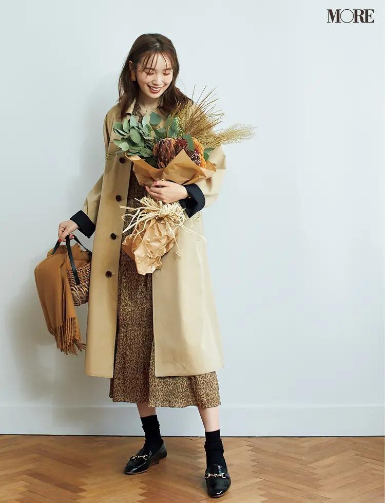 【ワンピースコーデ】花柄ワンピ×コートに靴下とローファーでカジュアルダウン