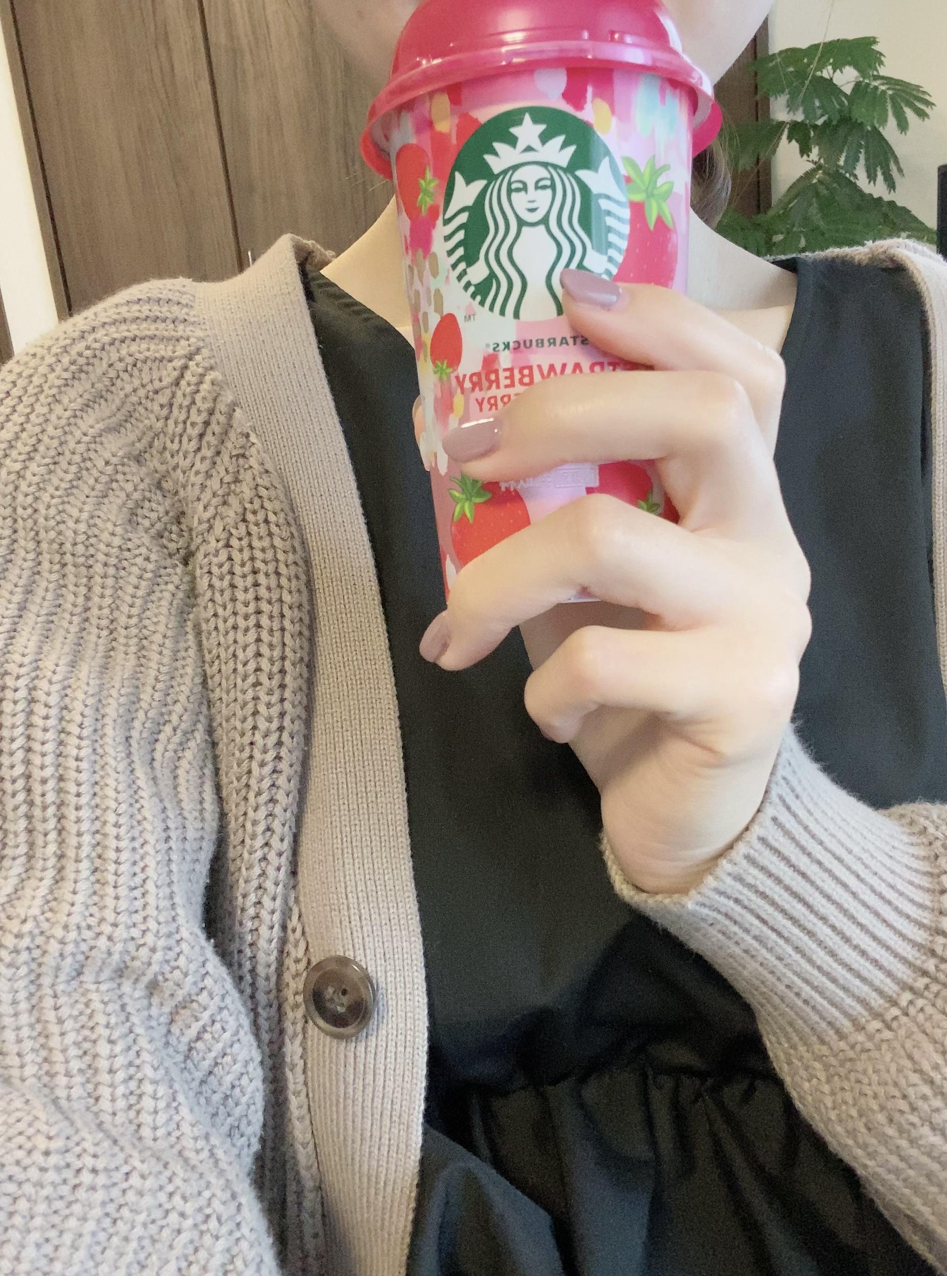 【ファミマ限定発売!】スタバ新作ストロベリー チルドカップ♡_6