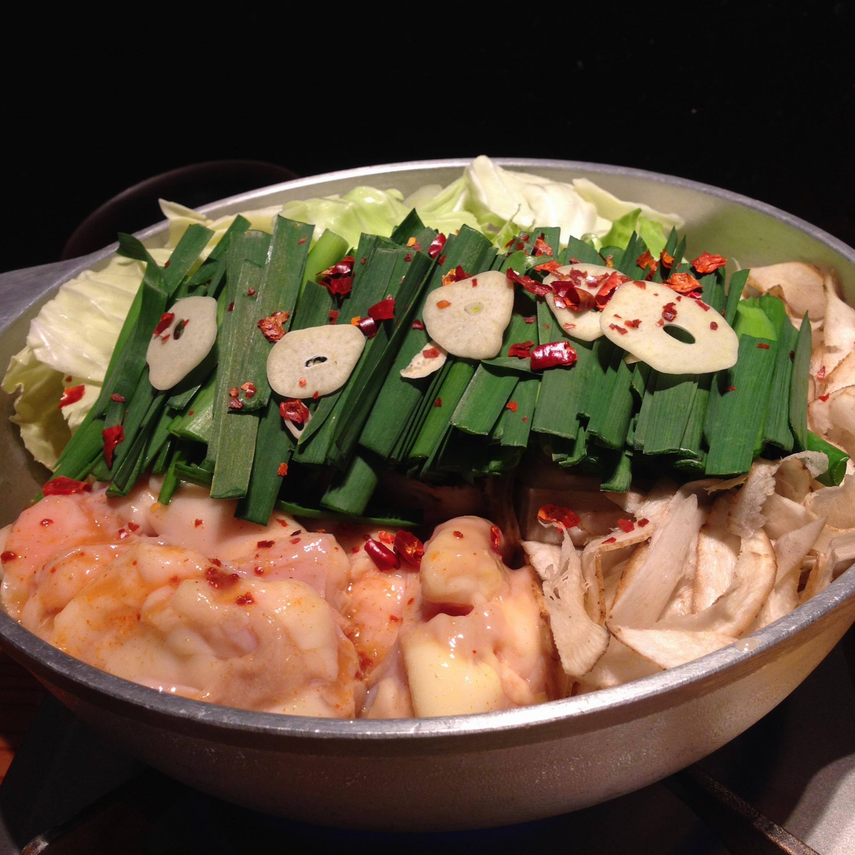 もつ鍋うまし!!夏はピリ辛旨なもつ鍋でしょ❤️博多の味をやまやで。_8