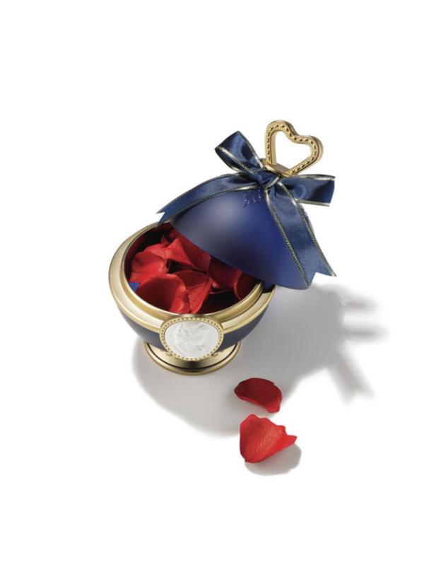 モアビューティズのAMOが『レ・メルヴェイユーズ ラデュレ』の限定チークをお試し! 深紅のバラ色で肌の透明感を引き立てて♡_1