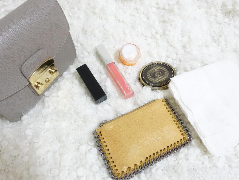 お気に入りの小さいバッグは《FURLA》!バッグの中身はお気に入りがいっぱいなんです!_2