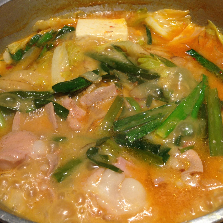 もつ鍋うまし!!夏はピリ辛旨なもつ鍋でしょ❤️博多の味をやまやで。_2