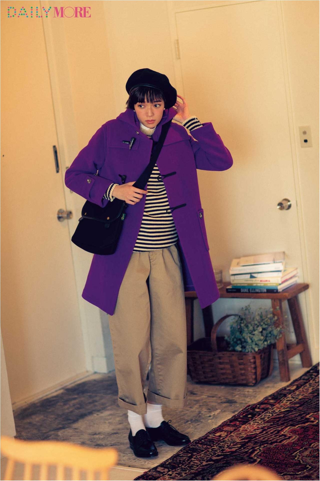 【今日のコーデ/佐藤栞里】友達と外で待ち合わせする土曜日はパッと目を引くカラーコートが主役!_1