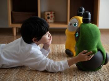 おうち時間に人気急上昇! 家族型ロボット「LOVOT」が、おこもりサポートキャンペーンを実施中