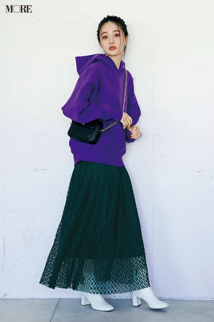 【パーカーコーデ】レーススカート+さし色パーカーで美女っぽモードに