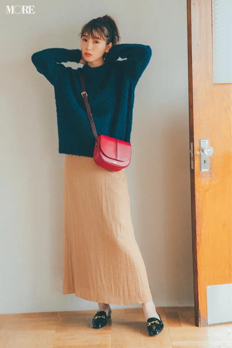 【2020秋冬のローファーコーデ】カジュアルなネイビー&さりげないアニマル柄で甘コーデをスパイスUP!