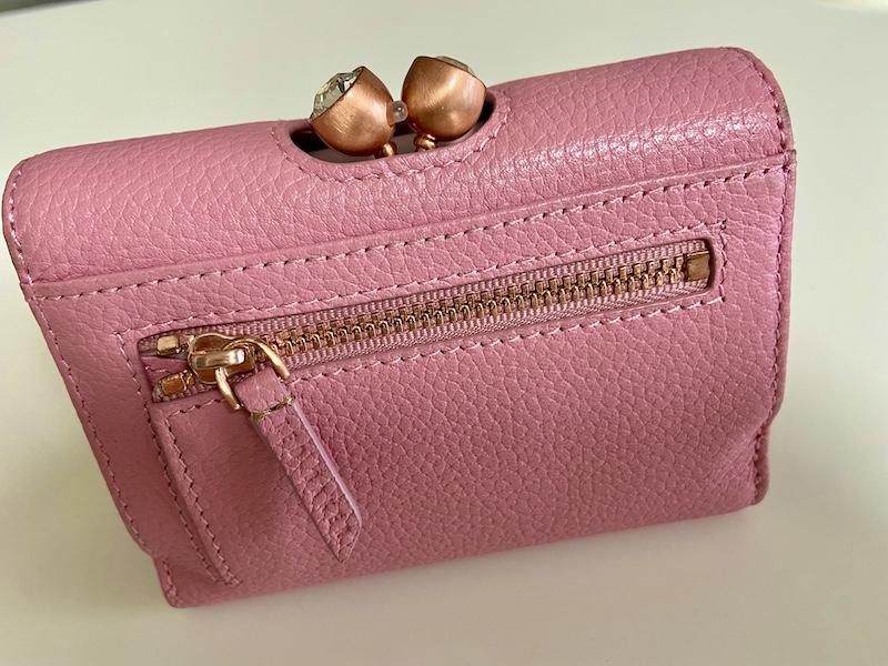 【20代女子の愛用財布】絶妙なサイズ感と驚きの収納力『TED BAKER』のお財布_5